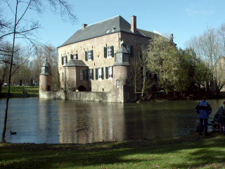 [Photo of Kasteel Erenstein after applying the Levels-Tool]